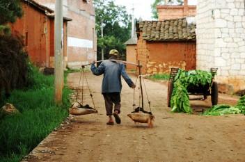 La pobreza rural permanece enraizada en muchas partes de China. Fotografía de pdvos/flickr.