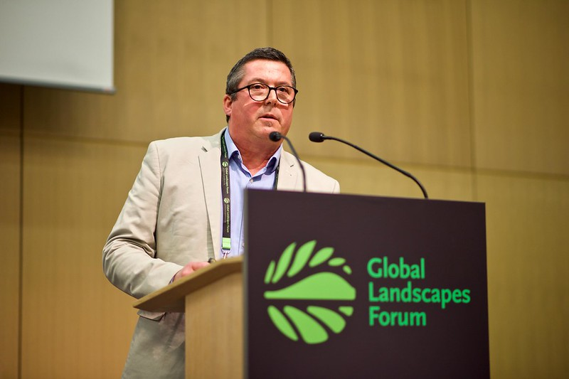 Award recognizes CIFOR's Terry Sunderland for landmark research defining forest-food nexus